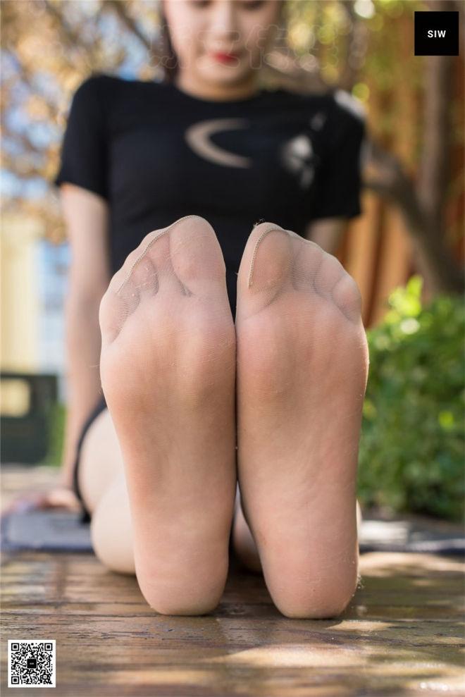 SIW斯文传媒-VOL.075袜靴少女乐饮[/188MB]