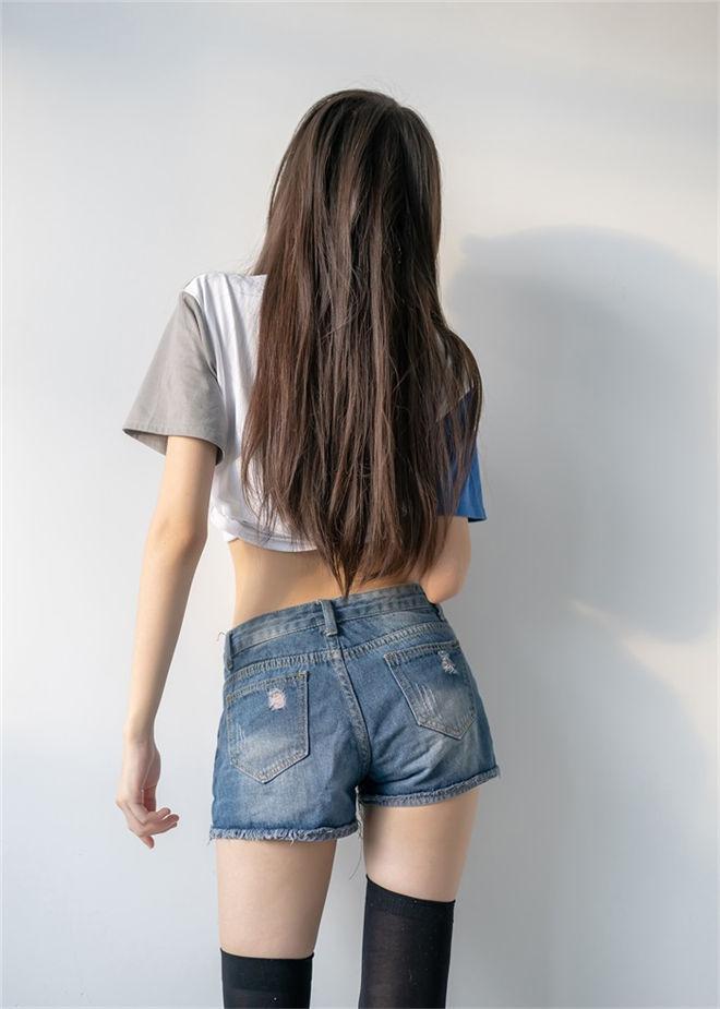 风之领域-No.121牛仔短裤与黑丝袜[/135MB]