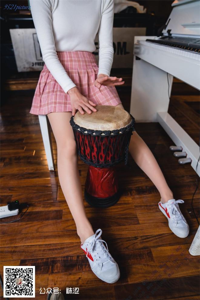 袜涩写真-VOL.029雪梨粉色百褶裙肤色天鹅绒丝袜[/981MB]