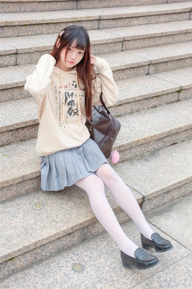 森萝财团-R15系列-040精品写真[/864MB]