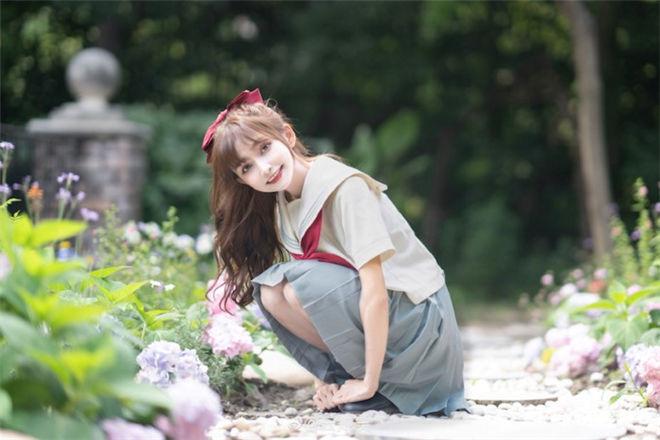 妹子图:超可爱制服正妹云知笑,对你甜笑迷人颜值萌到无法挡!