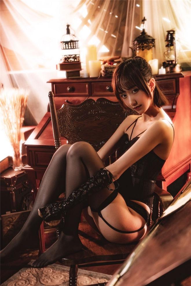 木绵绵OwO-紧身内衣[/2.03G]