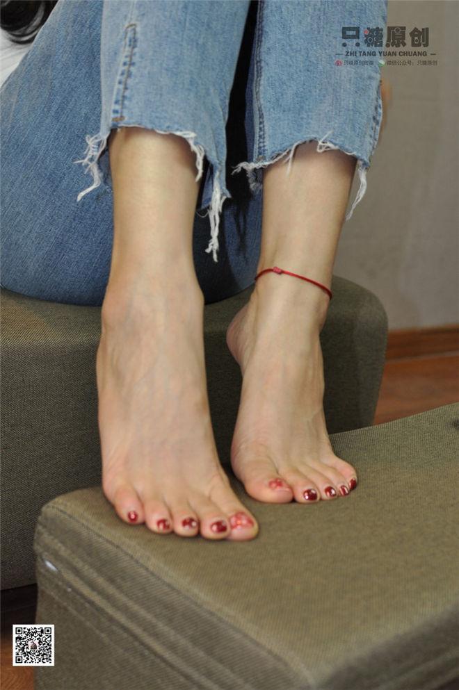 只糖棉袜-NO.013文文脚踝的红绳对你的思念[/889MB]