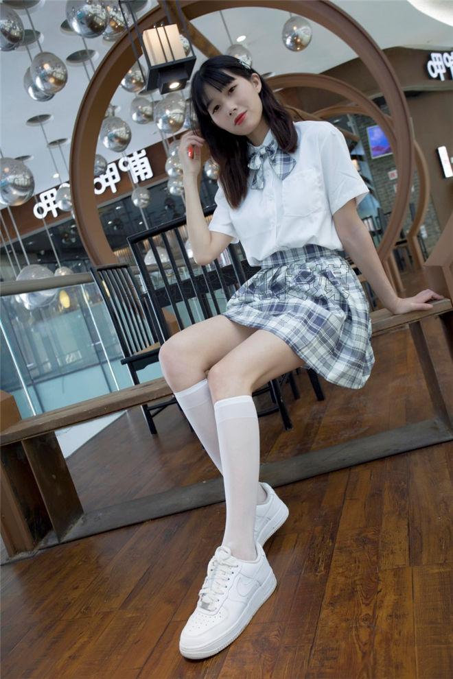SiHua思话-SH127诗韵商场里的JK女孩[/63MB]