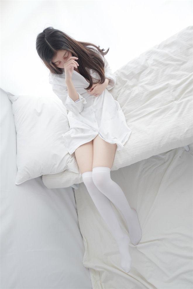 森萝财团-R15系列-022精品写真[/389MB]
