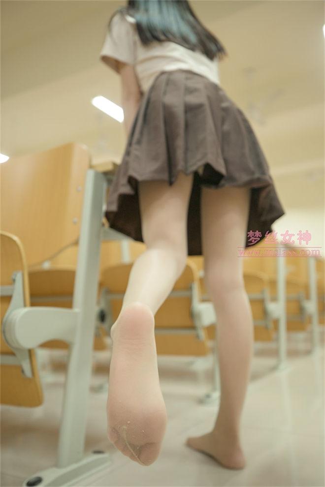 MSLASS梦丝女神-雪馨清新的丝袜美[/434MB]