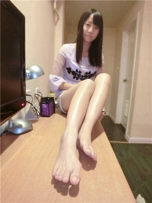 两枚可爱大学妹子的私拍福利-姗姗&紫子[/451MB]