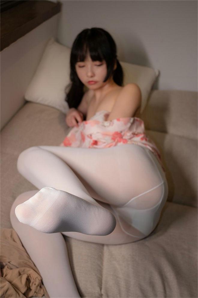 森萝财团-ALPHA-014精品爱花写真[/66.5MB]
