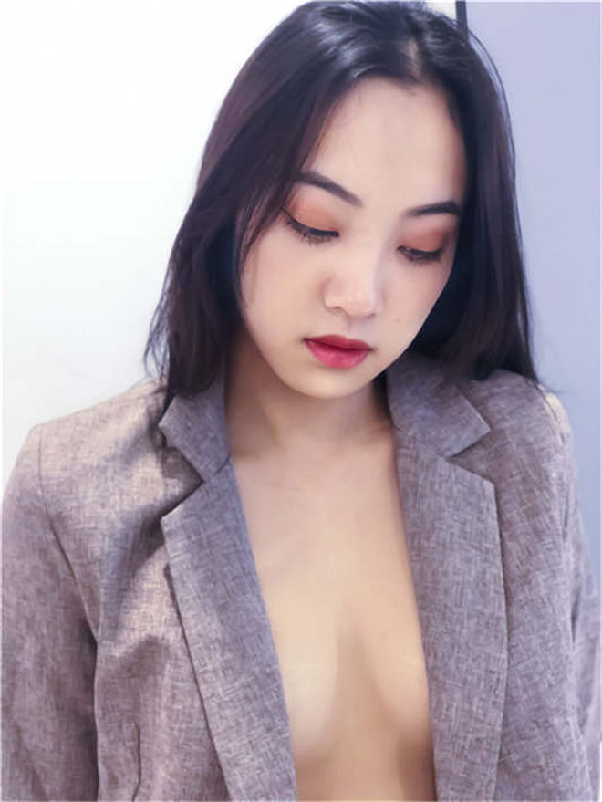 推特网红Qinweiyingjie(捷哥)5月私拍视图[/510MB]