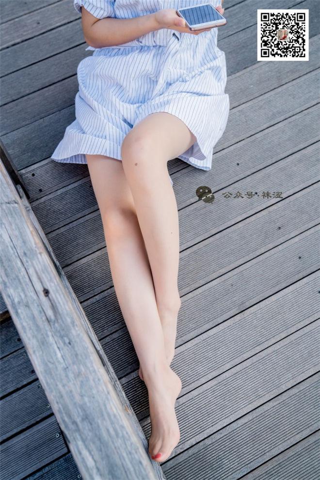 袜涩写真-VOL.011肉色丝袜白色连衣裙[/636MB]