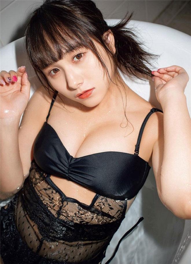妹子图:18岁嫩妹新谷真由,展现性感动人曲线身材!