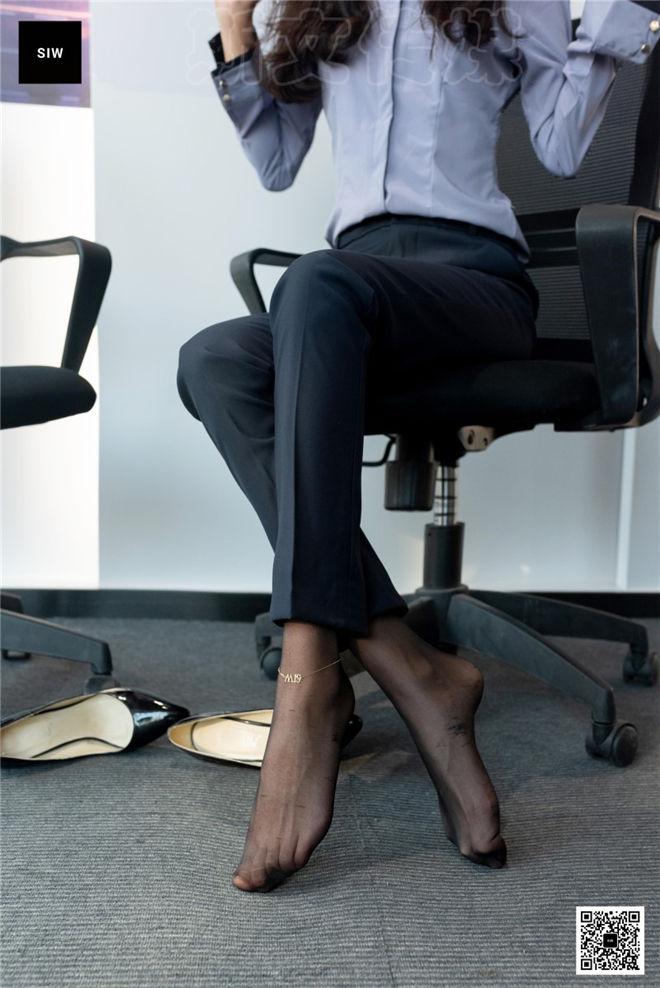SIW斯文传媒-VOL.086女总裁职业白领制服衬衣长裤工装[/53MB]