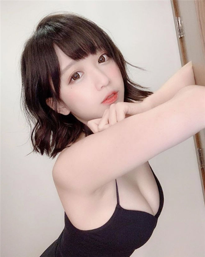 妹子图:童颜美胸妹Yami,甜度破表乳香四溢!
