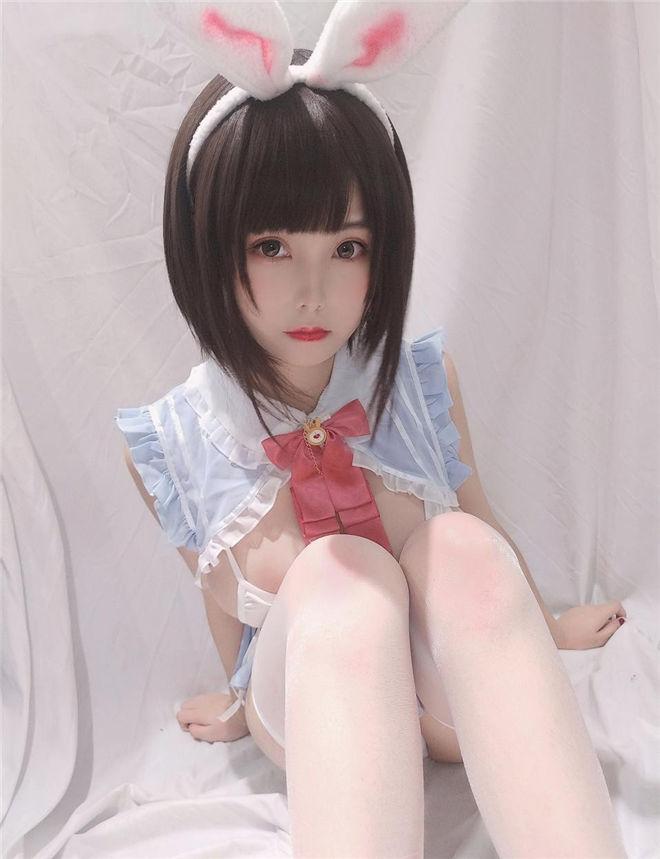 蜜汁猫裘-小白兔自拍档[/96MB]
