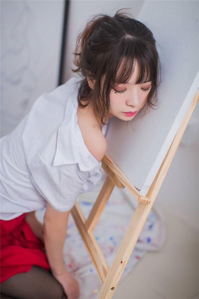 疯猫ss–画室jk黑丝少女[/171MB]