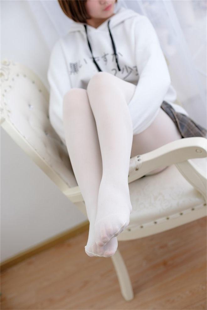 森萝财团-R15系列-050精品写真[/374MB]