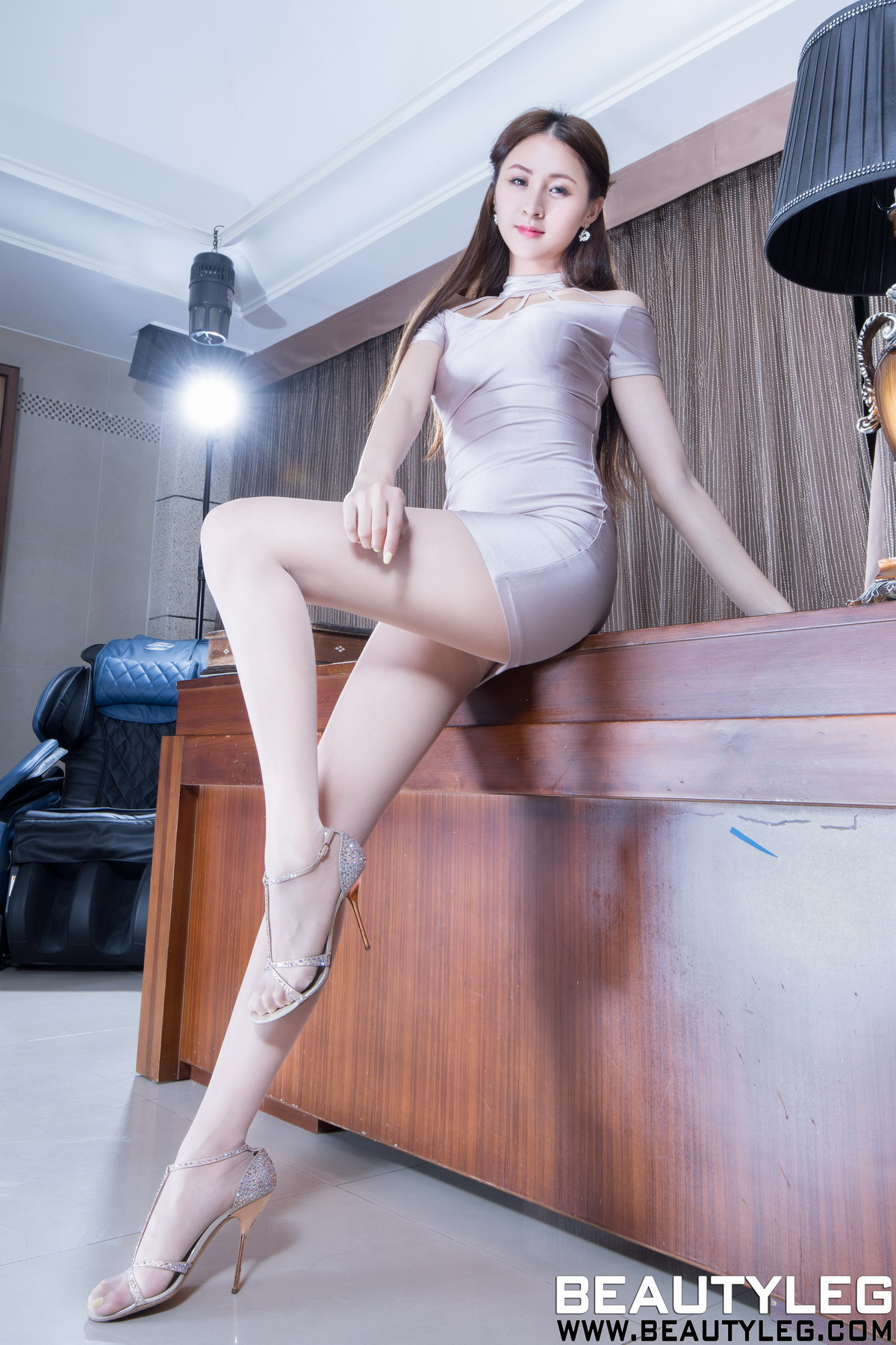 [Beautyleg]美腿写真 2020.04.22 No.1911 Lola[/468M]