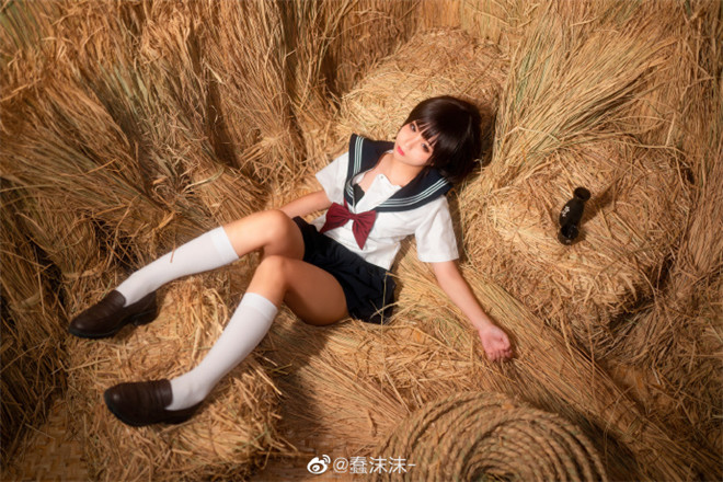 妹子图:@蠢沫沫-,翘臀界的核武器!