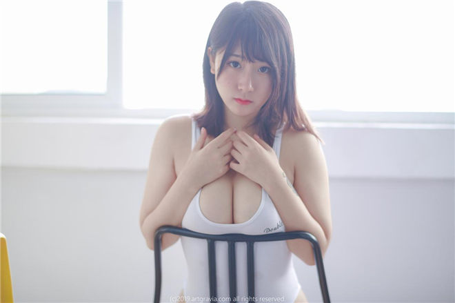 猫九酱sakura-小短裙[/291MB]