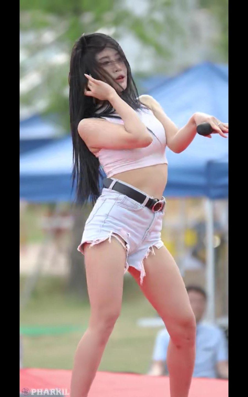韩国女团190526 걸크러쉬(Girl Crush)[3CUT-252MB]