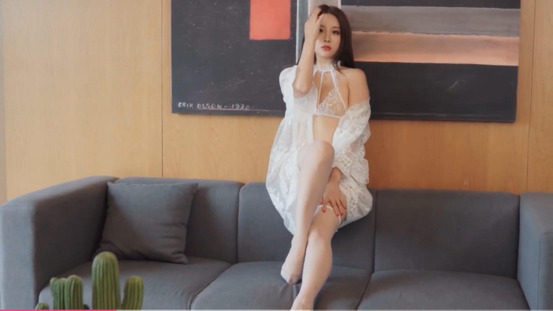 [YouMi尤蜜] 视频 筱慧 蝶舞恋伊[1V/120MB]