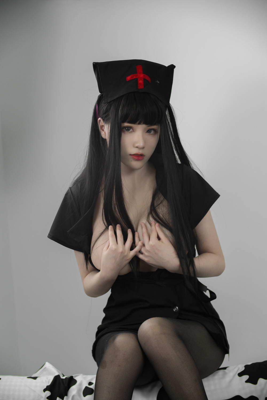 起司块wii写真 – 黑色护士 [/482MB]