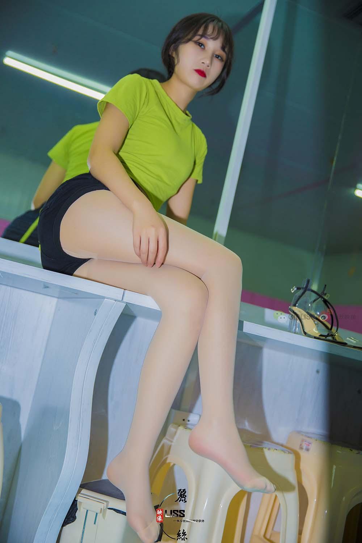 [LISS丽丝映像]NO.016 琪琪《这是打赏过最美的腿》[/697MB]