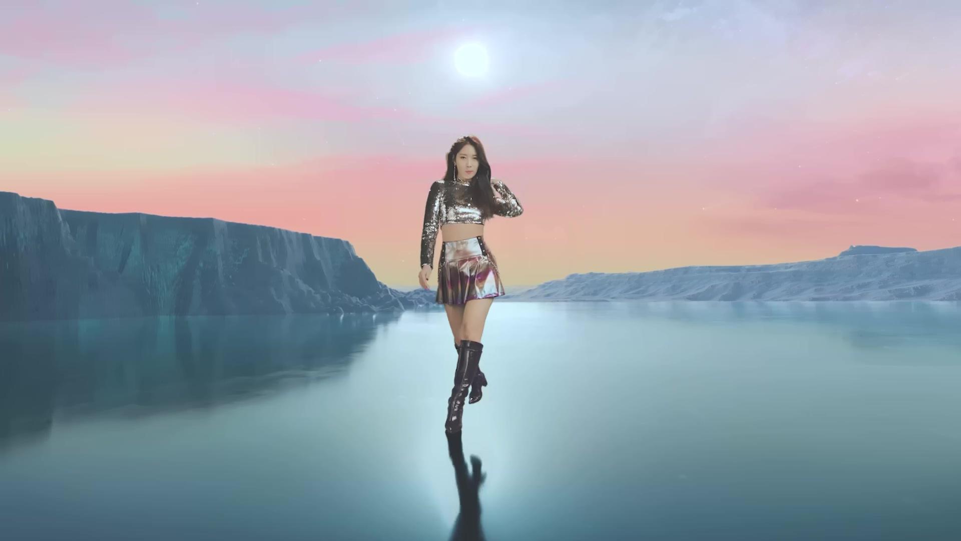 EVERGLOW(에버글로우) – DUN DUN MV[4K]