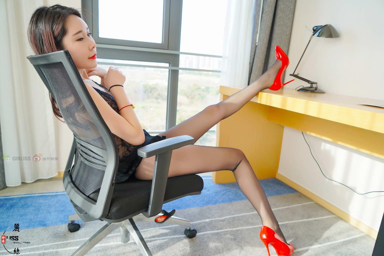 [LISS丽丝映像]NO.003 车模韩露小姐《这双丝腿是真的细长细长》[/1.13GB]